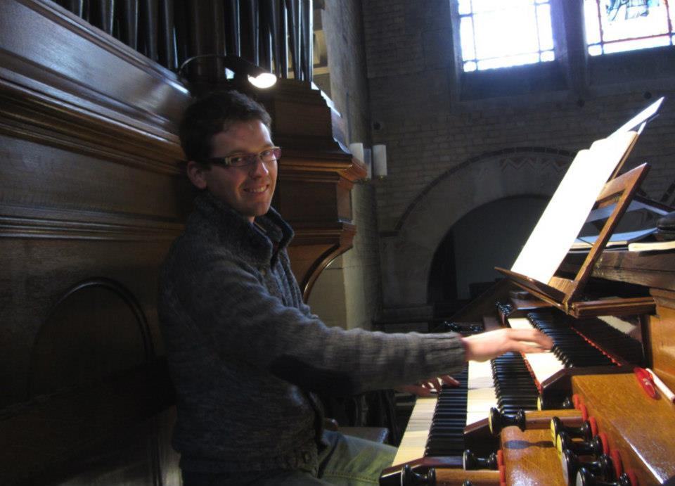 Zeeuwse orgelvirtuoos bespeelt beide orgels tijdens zesde Marktconcert